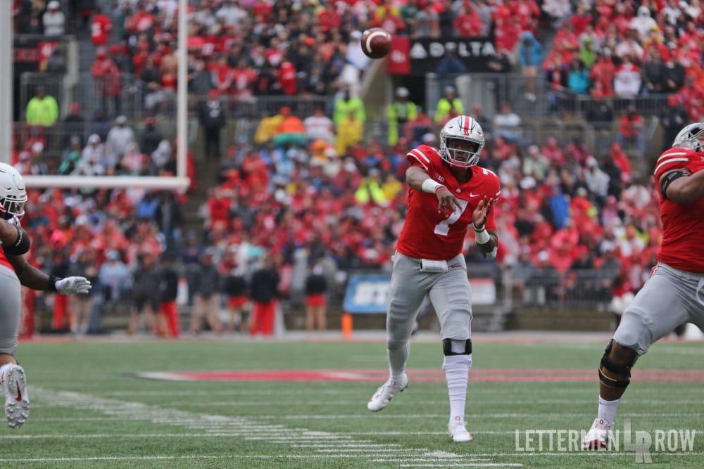 Dwayne Haskins-Ohio State-Ohio State Buckeyes-Dwayne Haskins throwing